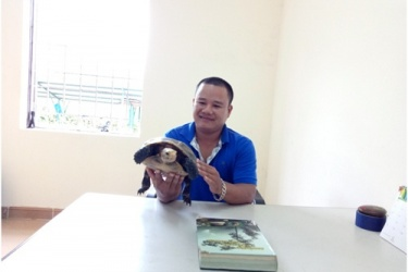 A local resident handed over voluntarily endangered, precious and rare species for rescue and release into the natural environment